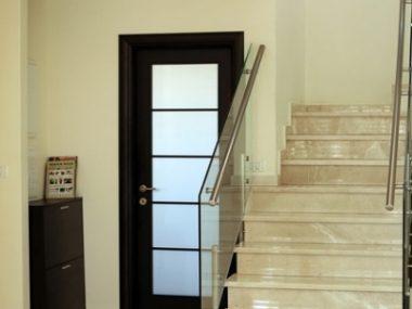 מדרגות לבית שיש לקסוס