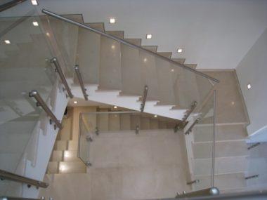 מדרגות לבית שיש סולטן