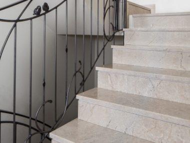 מדרגות פנים מיוחד