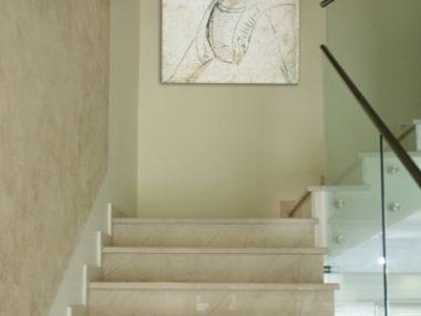 מדרגות פנים שיש סולטן