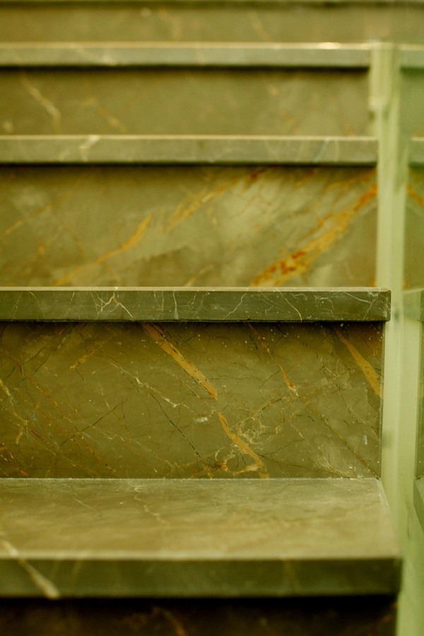 מדרגות לבית דגם אוליב גריי
