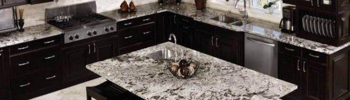טבעי או סינתטי: באיזה משטח כדאי לבחור למטבח?