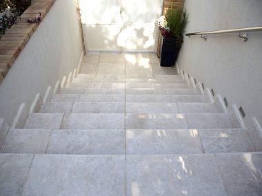 דליקטו מדרגות לחוץ