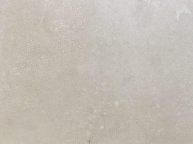 טרוורטין מלוטש עם מילוי
