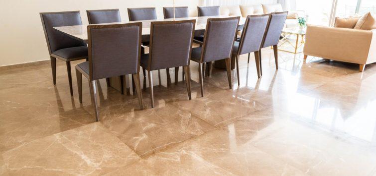 תמונה של כל שולחן האוכל פמפרויקט גרניט בעיבוד מלוטש